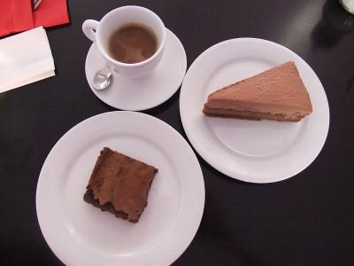 Brownies a čokoládový cheescake