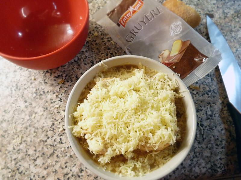 Francouzská cibulová polévka - Gruyére